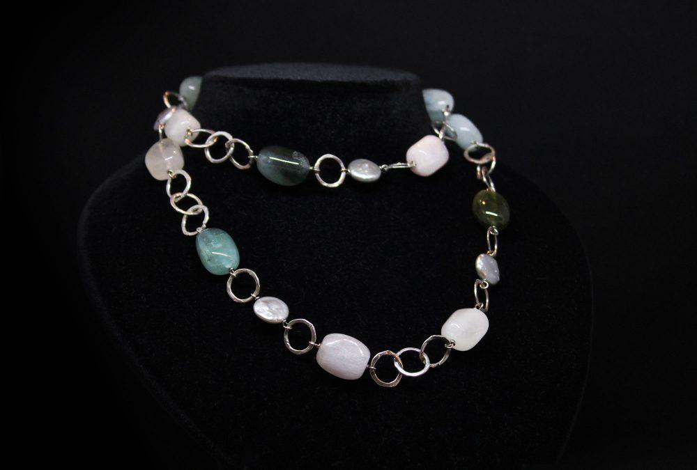 Collana in argento berilli perle
