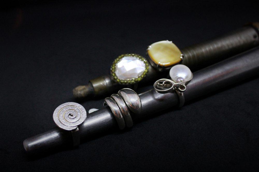 Anelli in argento e pietre preziose